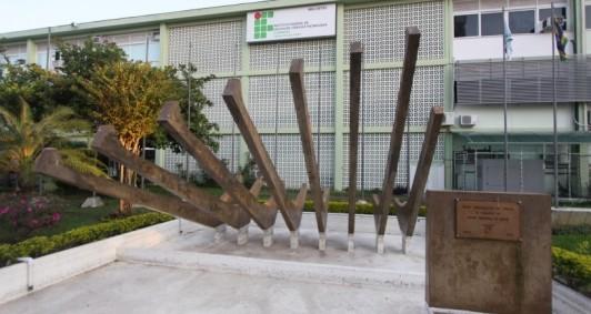 Fachada do IFF, campus Centro