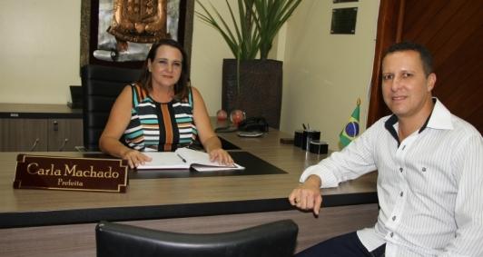 Prefeita Carla Machado e o vice Alexandre Rosa