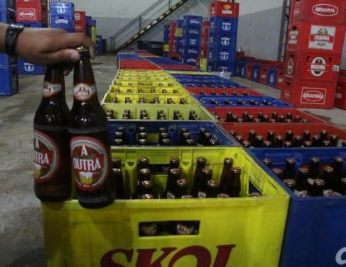 Galpão comercializava cervejas adulteradas