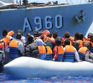 Refugiados em travessia pelo Mediterrâneo