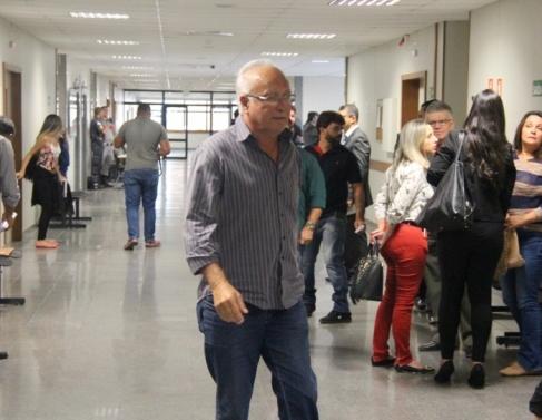Chegada de vereadores ao Fórum de Campos