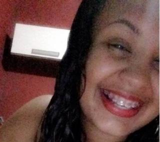 Livia Oliveira, 20 anos