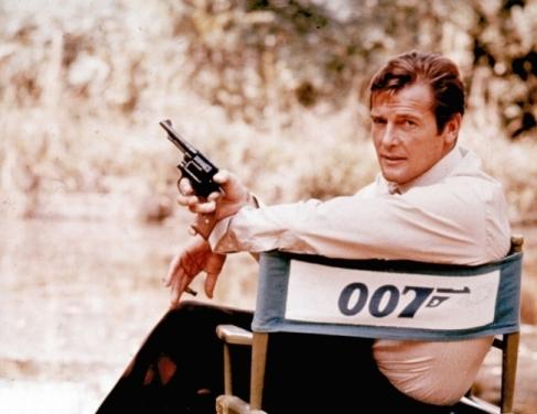 Roger Moore em 007