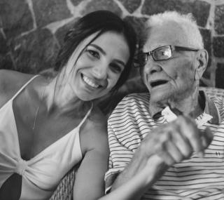 Admardo Gama, junto com a neta Mirian, na passagem dos seus 100 anos