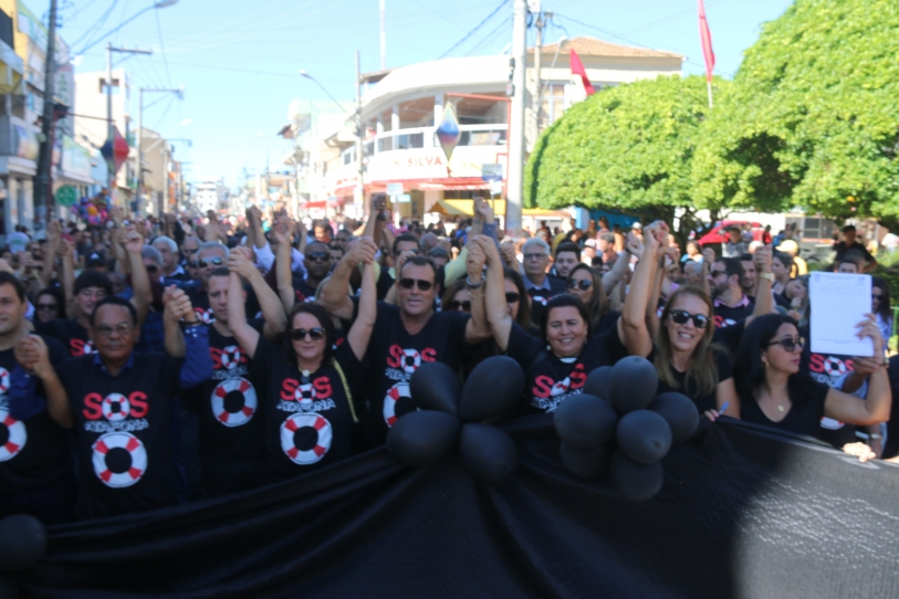 Movimentos foram às ruas pedir por Atafona