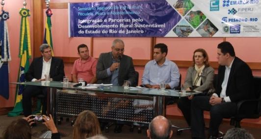 Seminário no auditório da Prefeitura de Campos