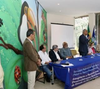Acordo com firmado em seminário