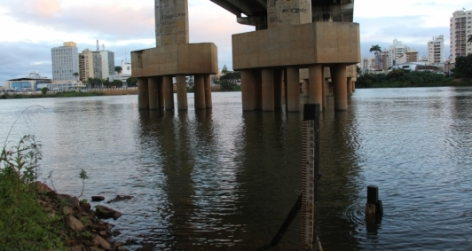 Rio Paraíba do Sul sofre com estiagem