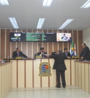 Sessão na Câmara de SJB
