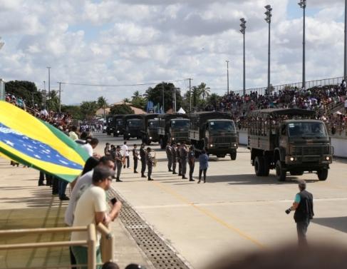 Desfile Cívico no Cepop
