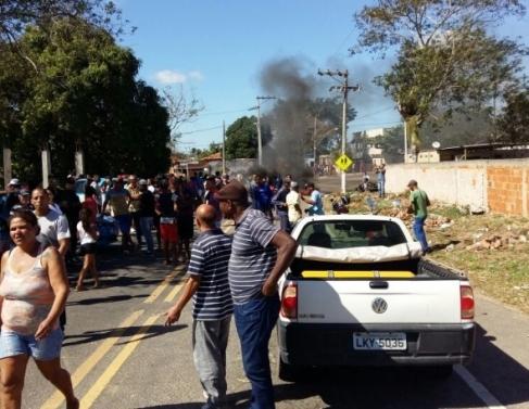 Protesto na localidade de Quilombo