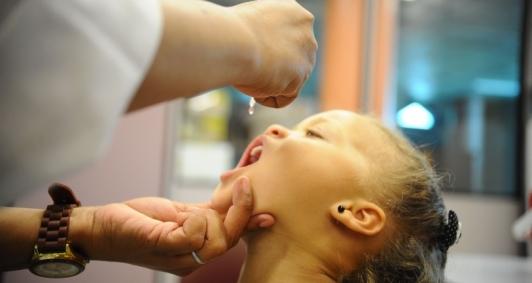Vacinação contra poliomielite