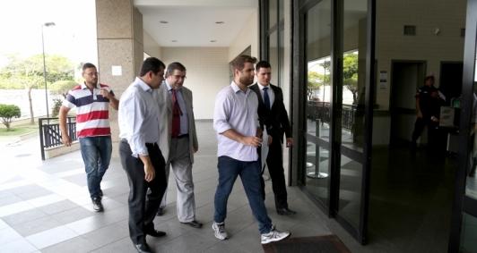Wladimir Garotinho chega ao Fórum para interrogatório