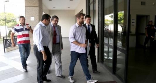 Wladimir chega ao Fórum para interrogatório