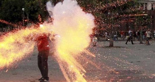 Rojão mata cinegrafista em protesto