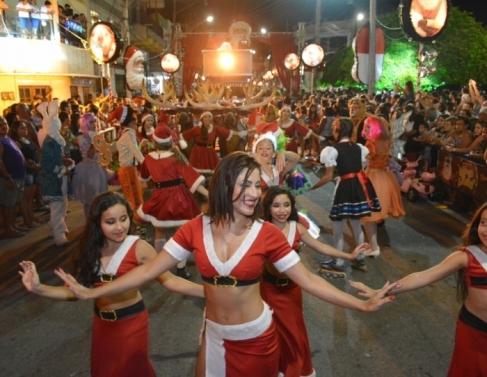 Multidão acompanhou festa no município