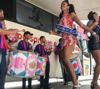 Doações aconteceram em clima de Carnaval