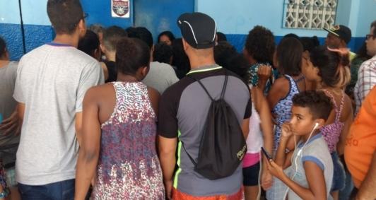 Protesto em escola estadual em Campos