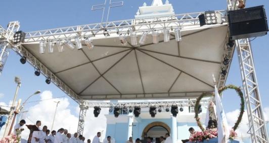Celebração de missa campal no Santuário Diocesano Mariano Nossa Senhora da Penha