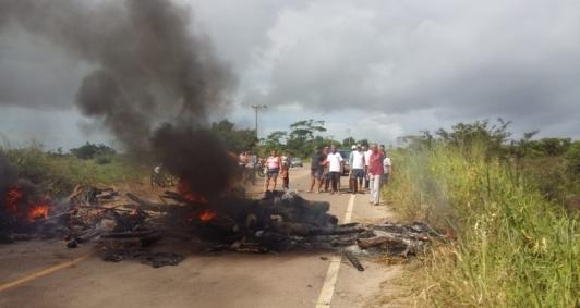 População protesto a situação da localidade