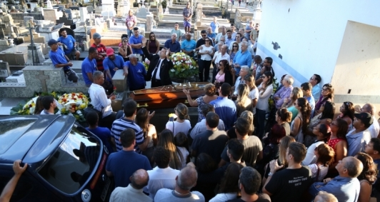 Sepultamento aconteceu no Caju