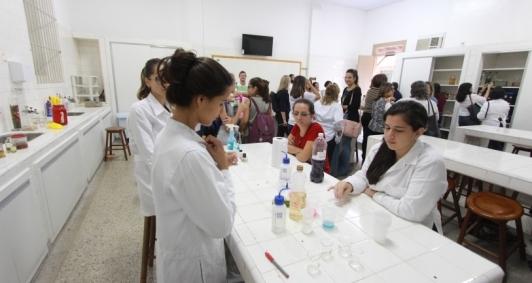 Alunos contam com novo laboratório no Liceu