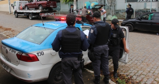 Operação em Guarus (Foto: Antônio Leudo)