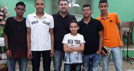 Uanderson Barreto é pai de cinco meninos