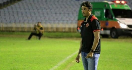 Athirson trabalha como treinador desde 2015