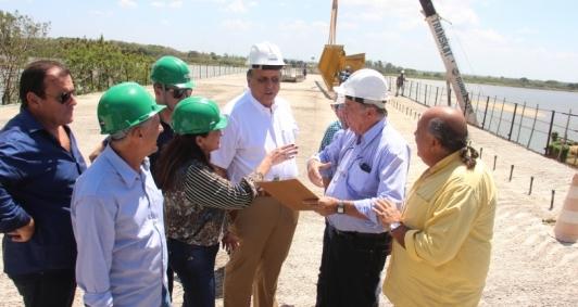 Pezão visitou obra da ponte da Integração