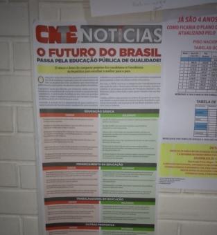 Exemplar do CNTE Notícias foi apreendido em escola
