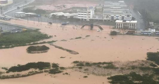 Alagamento em Macaé (Foto: Seguidor-Barra News)