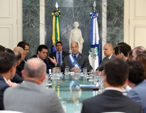 Governador Witzel na 1ª reunião no Salão Verde do Guanabara