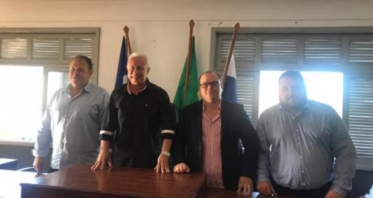 Mesa eleita, da esquerda para direita: Angelo Patrinieri, Robson Vogas, Jaderson Aleixo e Alberto Taveira