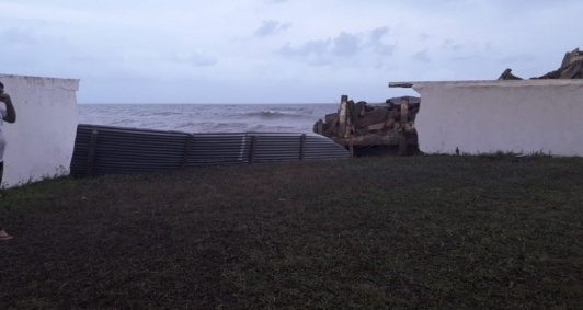 Mar continua avançando em Atafona