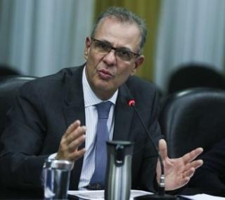 O ministro de Minas e Energia, Bento Albuquerque, fala sobre as ações desenvolvidas pela pasta nos primeiros 100 dias de governo.
