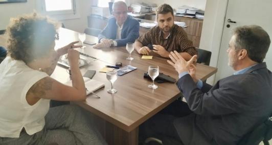 Reunião em Niterói para tratar das obras na UFF