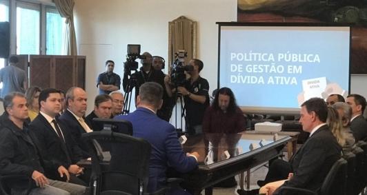 Procurador-geral de Campos esteve no Tribunal de Justiça