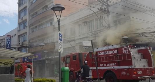 Incêndio no Centro (Foto: Catarine Barreto)