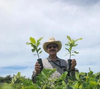 Colaborador mais antigo da RPPN Caruara contou trajetória de lavrador à viveirista
