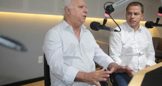 Jorge Miranda e Frederico Paes no estúdio da Folha FM