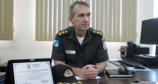 O comandante do 8° BPM tenente-coronel Luiz Henrique Monteiro Barbosa