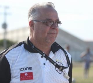 Treinador segue no cargo para a disputa do Grupo X, que começa no sábado (18)