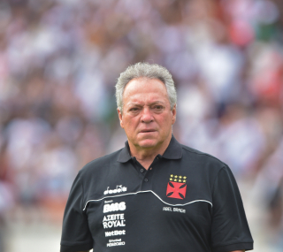 Abel voltará a escalar titulares do Vasco