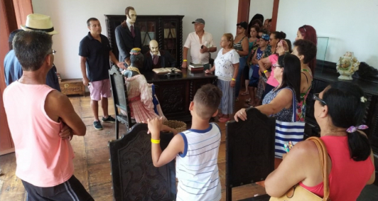 Antiga Casa de Câmara e Cadeia recebe grupo de turistas