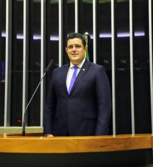 Marcão Gomes é advogado e suplente de deputado federal