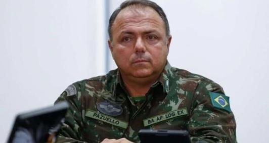 General Pazuello da ativa, ocupa o ministério da Saúde desde o pedido de demissão de seu antecessor. A cloroquina foi apontada como o motivo da saída do ex-ministro Nelson Teich