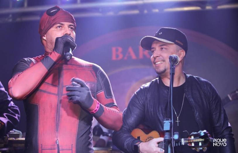 Deadpool Pagodeiro em show do Pique Novo