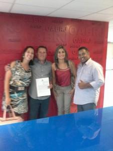 Secretária de Assistência Social,prefeito e Neco e Conselheiros. Reprodução/Facebook_Françoiza Magalhães