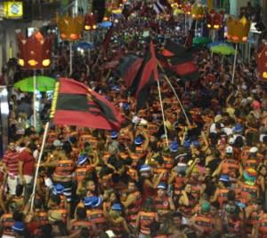 Bloco do flamengo é o maior entre os de torcida no Carnaval de SJB.